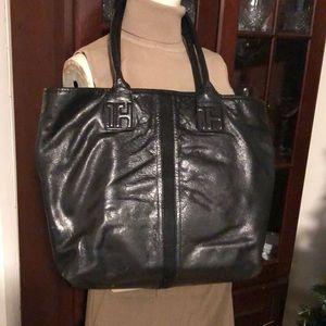 Tommy Hilfiger (TH) Black Shoulder Bag